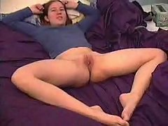beth showing her shaved cunt at bed